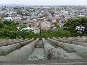 丸岡城石瓦.jpg