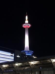 夜の京都タワー.jpg